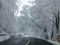 Se circulă în condiții de iarnă pe cele mai multe sectoare de drumuri naționale din Maramureş