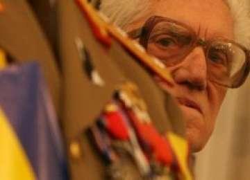 Se schimbă sistemul de pensii: Poliţiştii şi militarii vor primi PENSII SPECIALE