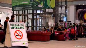 Senatul a aprobat interzicerea totală a fumatului în locurile publice