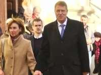 Sibiu - Crăciun prezidenţial: Klaus Iohannis a mers la restaurant, la Biserică şi la tenis