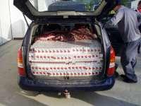 SIGHET: 3.000 de pachete cu ţigări de provenienţă ucraineană depistate într-un autoturism