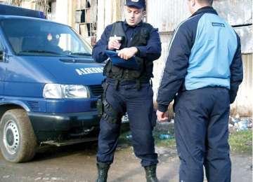 SIGHET: Bărbat amendat de jandarmi pentru că a adresat expresii și cuvinte jignitoare unor cetățeni