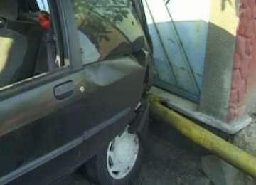 SIGHET: Conductă de gaz spartă de o şoferiţă grăbită
