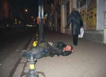 SIGHET - Doi bărbați, sancţionaţi în miez de noapte de către Jandarmi pentru consum de băuturi alcoolice