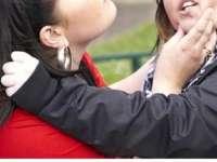 SIGHET: Două eleve s-au luat la bătaie din cauza unui băiat și au fost sancționate de jandarmi