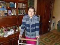 SIGHET – Fără niciun venit și suferindă, o femeie supravieţuieşte doar din mila vecinilor