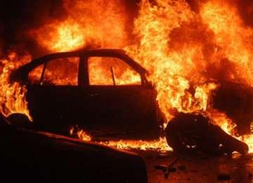 SIGHET: Un bărbat beat a dat foc unei maşini