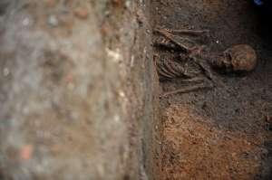 SIGHET - Un schelet de om a fost descoperit în casa liftului unui bloc din cartierul Independenței