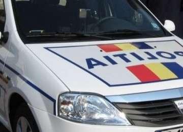 SIGHET: Un tânăr din Rona de Jos a acroşat un autoturism şi a fugit pentru că transporta ţigări de contrabandă
