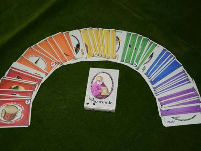 MUZICANDO. O noua tentatie pe piata jocurilor de carti.