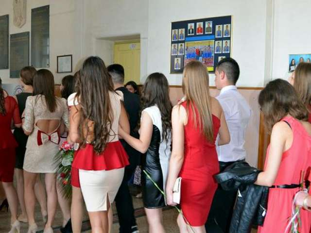 Elevii claselor de a XII-a s-au bucurat astăzi de o zi specială