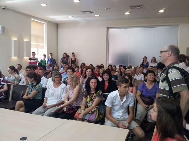 GALERIE FOTO - Cei mai buni elevi din Sighet au fost premiați de către Consiliul local