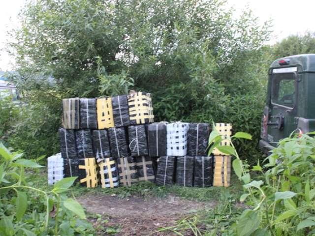 VIDEO - Contrabandă cu țigări în valoare de peste 1 miliard de lei în Maramureș