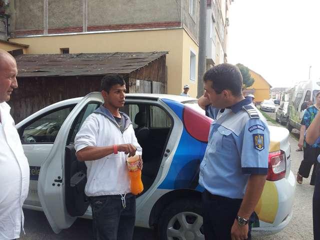 EXCLUSIV SIGHET 247 - FOTO - Un tânăr de etnie rromă a furat bani de la copii în Sighet