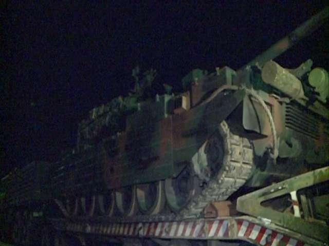 FOTO Un tanc a fost lovit de un TIR pe Autostrada Soarelui
