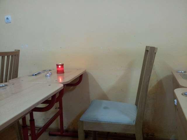 Colegii Gabrielei au aprins lumânări în clasă. Înmormântarea va avea loc mâine