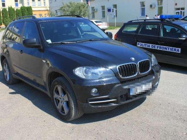 Ţigări de contrabandă ascunse într-un Audi în Vişeu de Sus şi un BMW X5 furat din Italia depistat în Tăuţii Măgherăuş