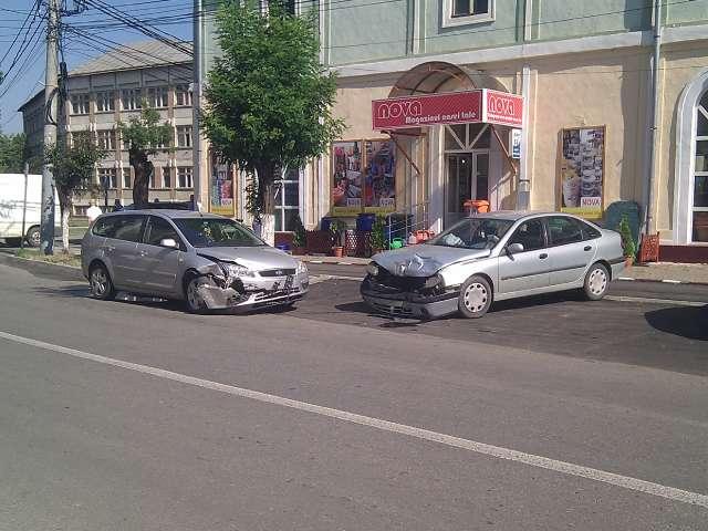 SIGHET - Trei mașini au fost implicate într-un accident în cartierul Cuza Vodă