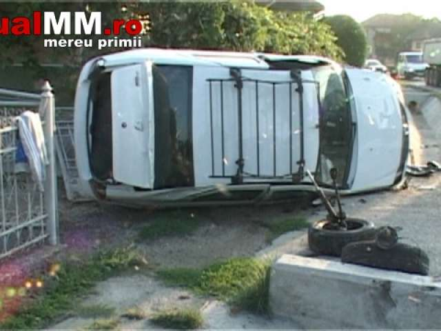 VIDEO: MARAMUREȘ - Accident de circulatie: Trei mașini au fost distruse de către un șofer care a adormit la volan