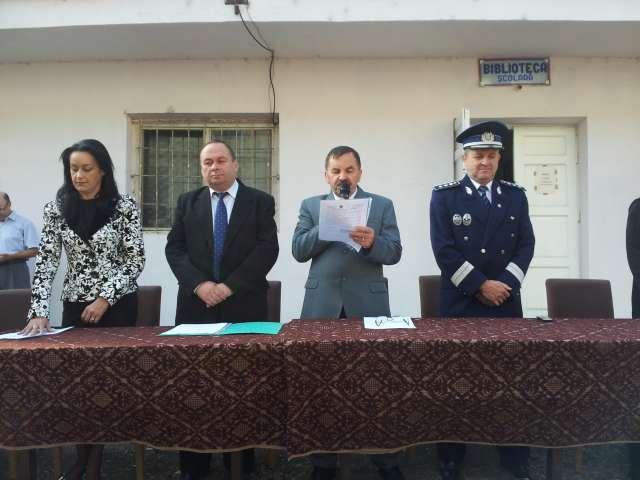 MARAMUREŞ - Un nou an şcolar începe astăzi pentru aproximativ 70.000 de preşcolari şi elevi