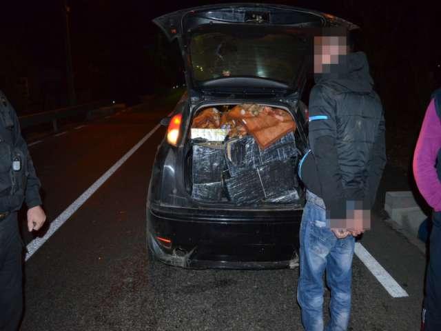 FOTO - Ţigări de contrabandă de peste 35.000 lei, confiscate de Poliţiştii de frontieră