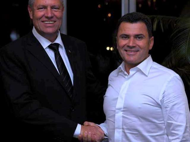 """FOTO - Deputatul PNL Mircea Dolha a agresat verbal un băimărean cu apelativele: """"Hai sictir!"""", """"nesimtitule"""", """"frustrat"""" și """"mincinos"""""""