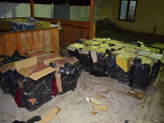SIGHET - 21.000 pachete de țigări confiscate de către Polițiștii de frontieră