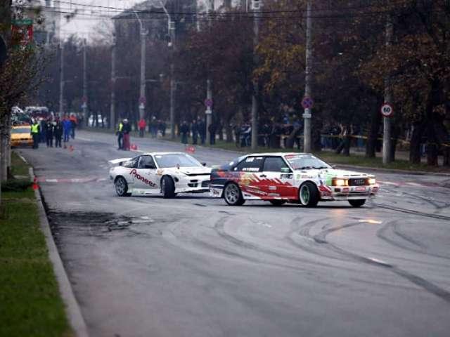 FOTO & VIDEO - Finala Campionatului Național de DRIFT din Baia Mare a atras numeroși spectatori