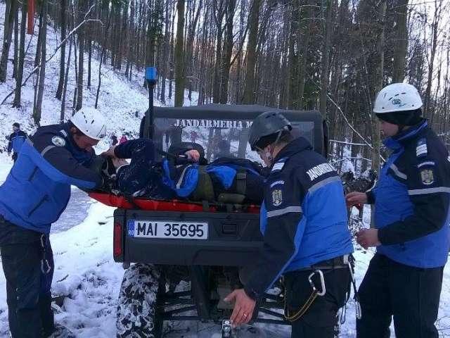 """GALERIE FOTO - """"Consolidarea capacităţilor Jandarmeriei Române"""": Activităţi ale jandarmilor montani maramureşeni la pârtia Șuior"""