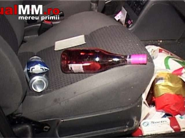 VIDEO - Accident grav la ieșirea din Baia Mare. Șoferul, cu permis de conducere fals și băut bine, a fugit fără să îi pese că pasagerul din dreapta era rănit