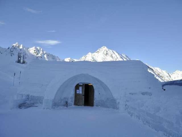 Revelion extrem la Bâlea Lac, în singurul hotel de gheață din Europa de Sud-Est