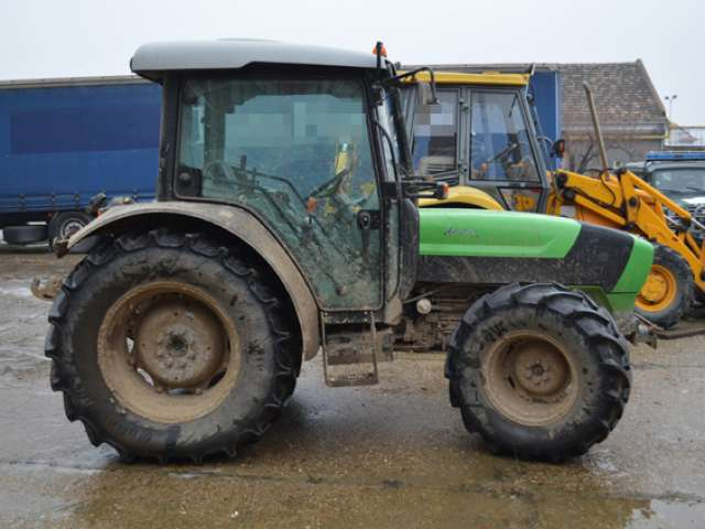 Un tractor în valoare de 30.000 euro furat din Italia depistat de către poliţiştii de frontieră