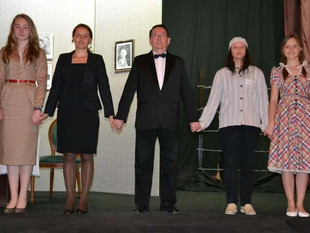 """SIGHET: Aplauze """"furtunoase"""" la premiera spectacolului cu piesa """"JANKA"""" de OSCAR SPEACE"""