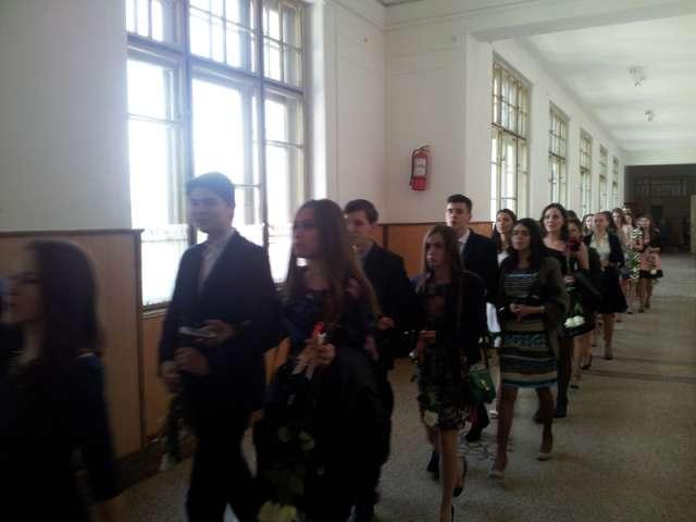 PANGLICI - Elevii claselor a XII-a de la Colegiul Național Dragoș Vodă au marcat sfârșitul celor patru ani de liceu