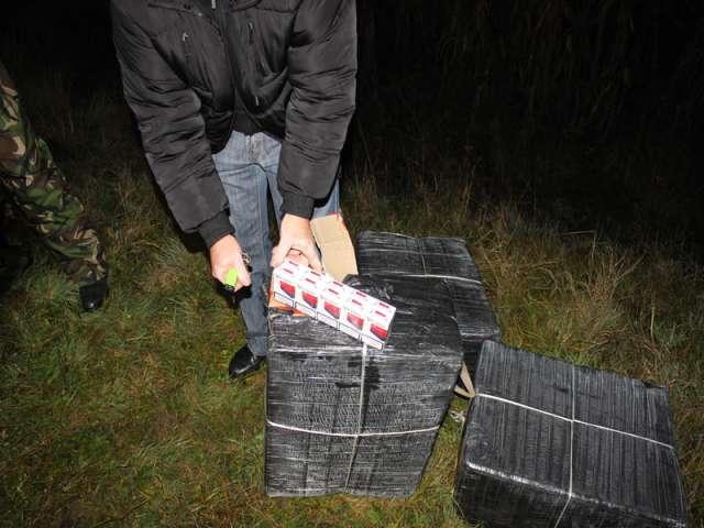FOTO - 13 focuri de armă pentru reţinerea contrabandiştilor de ţigări