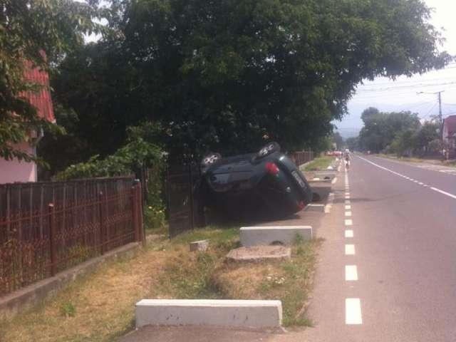 CRĂCIUNEȘTI - Doi răniți în urma unui accident rutier