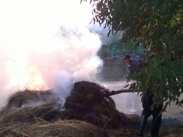 SEZONUL INCENDIILOR - Pompierii sigheteni au intervenit pentru a stinge un incendiu pe strada Dobăieș din Sighet