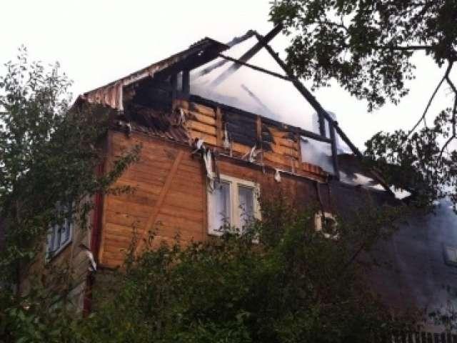 FOTO: Două case au fost mistuite de flăcări la Hărnicești
