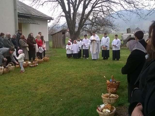 FOTO: Romano-catolicii sărbătoresc Învierea Domnului