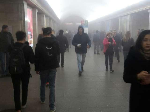 FOTO & VIDEO - EXPLOZIE în metroul din Sankt-Petersburg, soldată cu cel puțin 10 victime