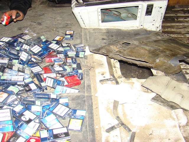FOTO: VALEA VIȘEULUI - Cetățean ucrainean prins și reținut cu țigări de contrabandă în valoare de 33.000 lei