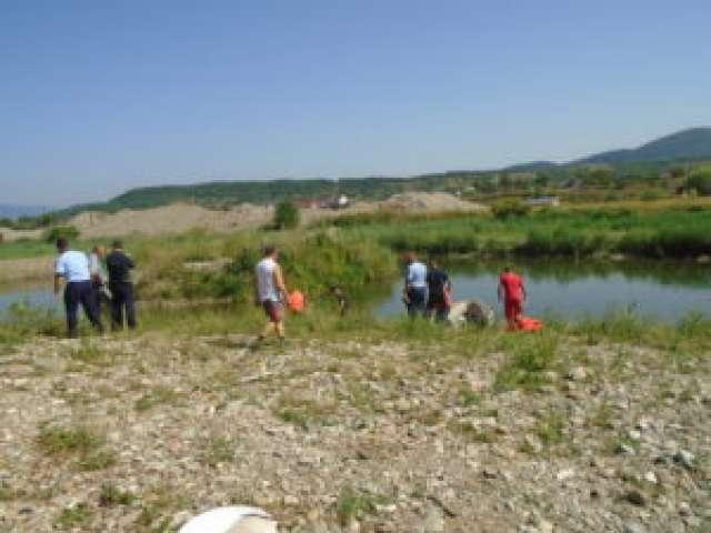 FOTO: SIGHET - Pescar decedat în lacul Teplița