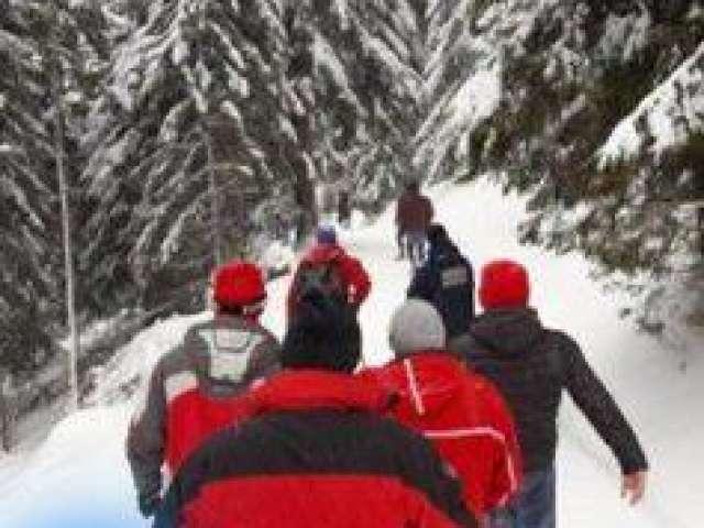 FOTO - Turist beat salvat de la îngheț la Cascada Cailor din Borșa