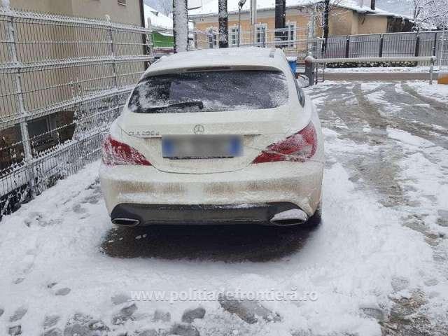 FOTO: VIȘEU de JOS - Autoturism căutat în Italia, depistat de poliţiştii de frontieră