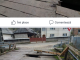 SIGHET: FOTO - O autoutilitară a rămas blocată pe un pod putred, după ce acesta s-a rupt sub greutatea mașinii