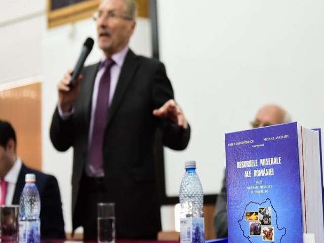 Fostul preşedinte Emil Constantinescu, vizită în Baia Mare