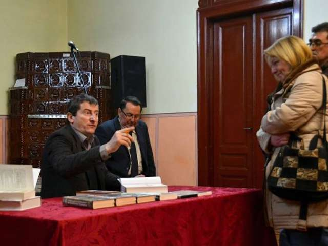 FOTO: CENTRUL CULTURAL SIGHET - Grgore Cartianu și-a lansat ultima sa apariție