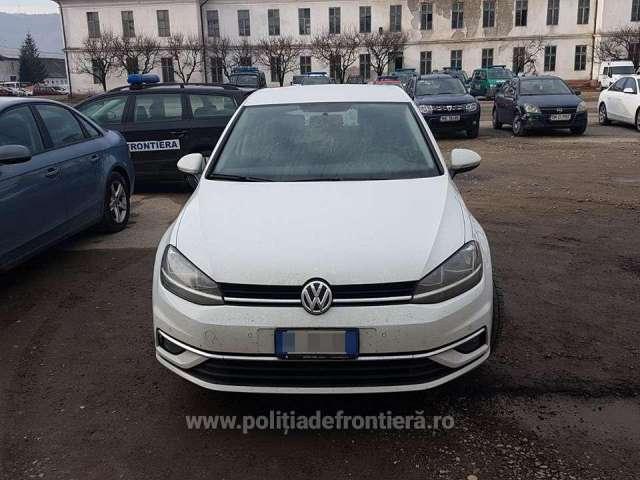 FOTO & VIDEO - VW Golf căutat în Italia, descoperit de polițiștii de frontieră în Sighetu Marmației