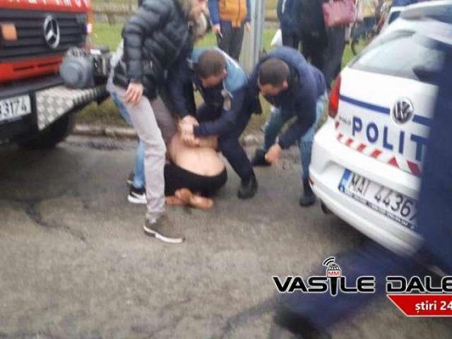 FOTO & VIDEO - Bărbat din Brașov aruncat în râul Săsar de pe un pod din BAIA MARE. Suspecții au fost prinși