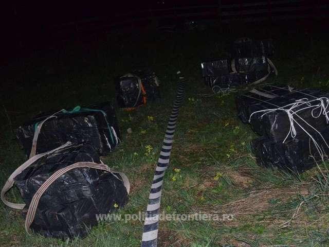 Trei contrabandiști reținuți cu focuri de armă și țigări în valoare de peste 200.000 lei confiscate de către frontieriști